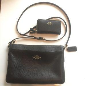 LIKE NEW coach black journal crossbody w wallet